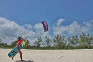 Women's kitesurfing in Watamu